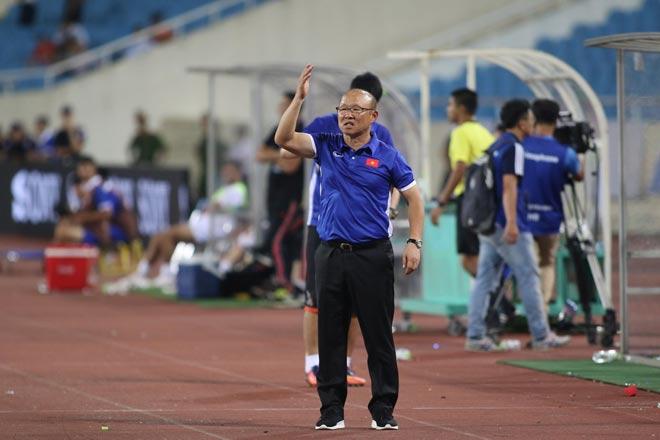HLV Park làm gì để cầu thủ Việt Nam khỏe