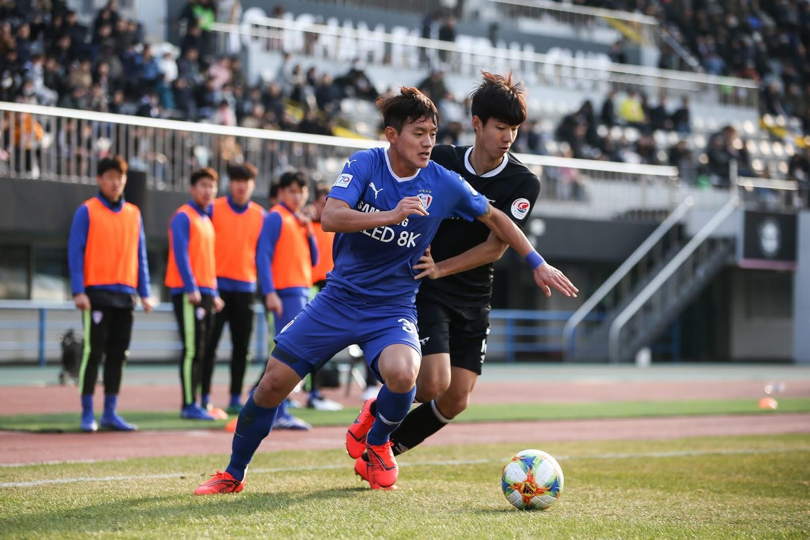 Soi kèo Gyeongnam vs Suwon Bluewings