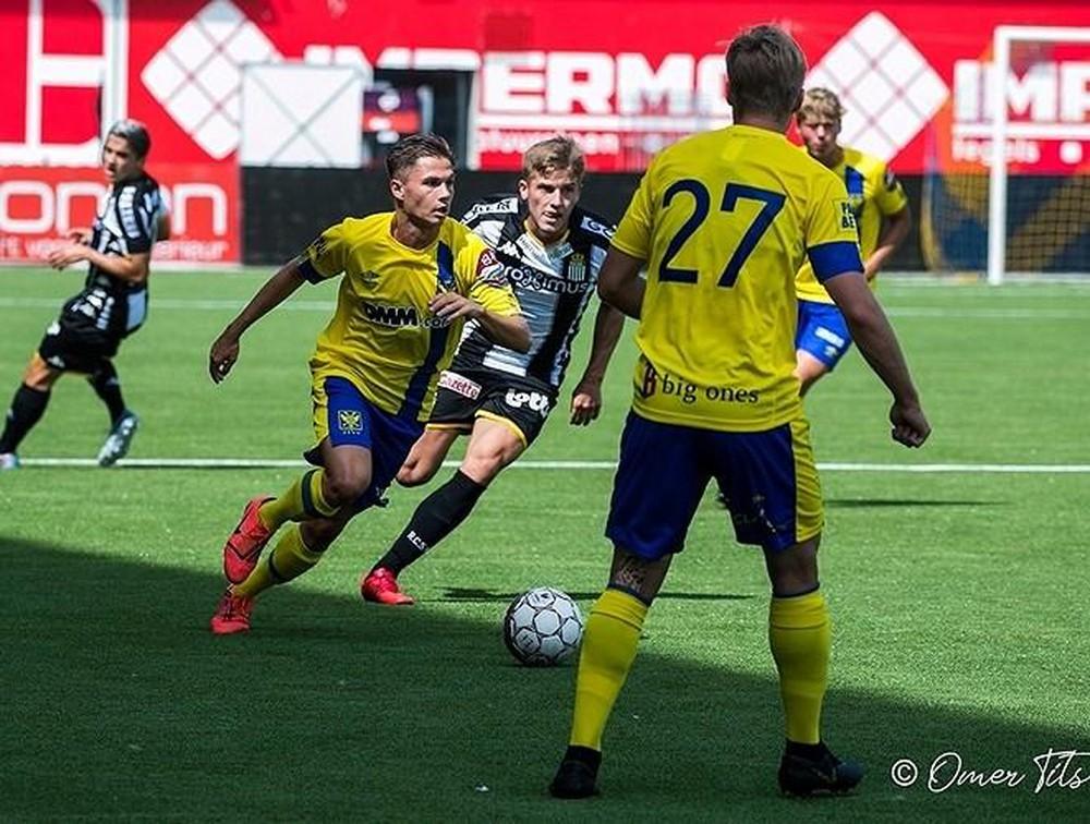 Soi kèo Charleroi vs Sint Truiden