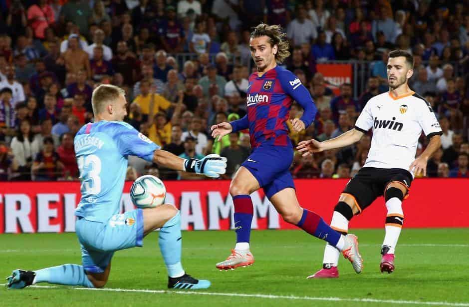 Soi kèo Barcelona vs Slavia Praha