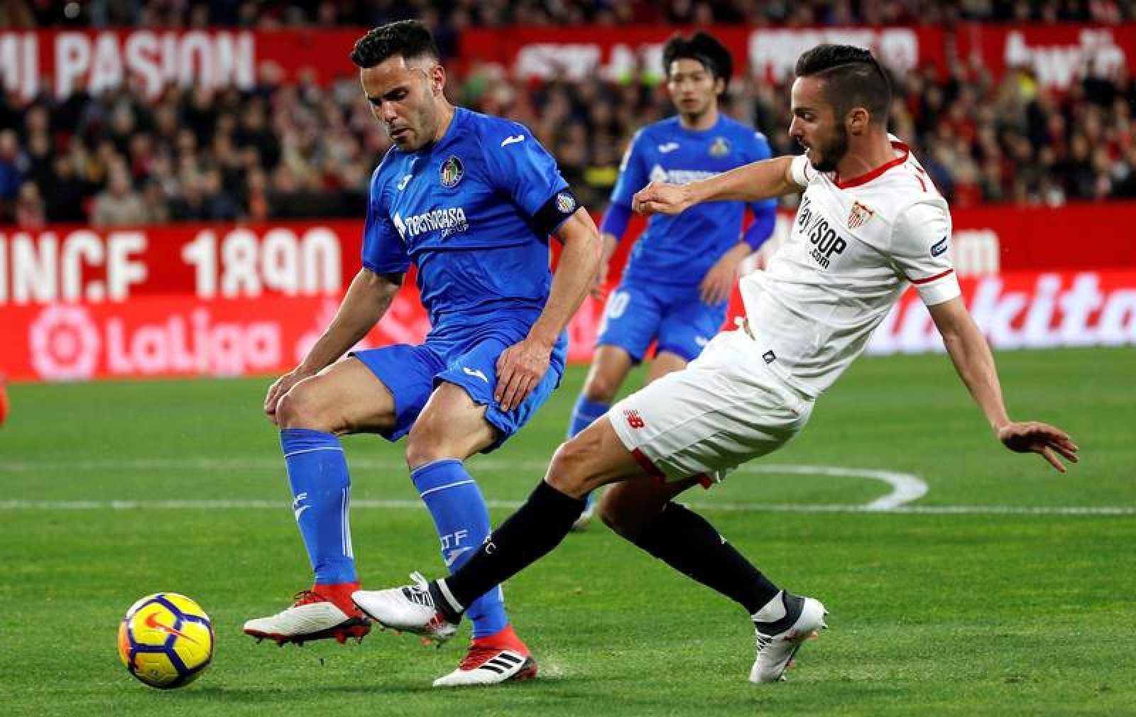 Soi kèo APOEL vs Sevilla