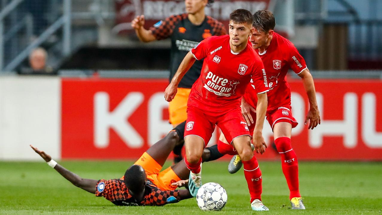 Soi kèo Waalwijk vs Twente