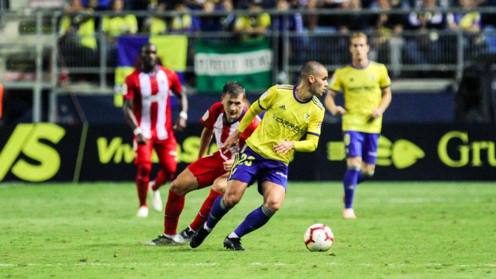 Soi kèo Almeria vs Oviedo
