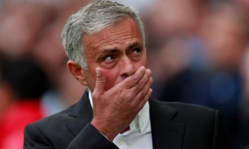 Hãy thay đổi đi Mourinho nếu như còn muốn là Mr Spiecal
