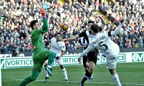 Soi kèo Udinese vs Milan, 2h30 ngày 5/11 – Serie A 2018/19