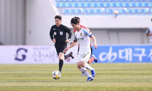 """Đến khi nào Công Phượng mới """"nở"""" rực rỡ tại Incheon United?"""