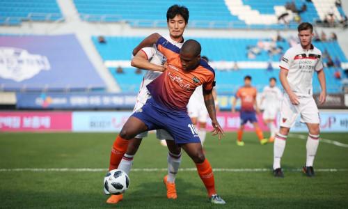 Kèo nhà cái Gangwon vs Jeju – Soi kèo bóng đá 17h00 ngày 25/5/2019