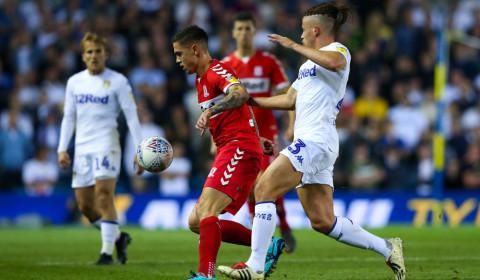 Soi kèo Leeds vs Brentford 01h45 ngày 22/8 – Kèo nhà cái bóng đá