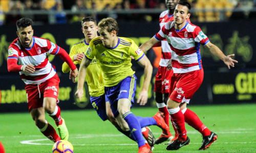 Soi kèo Almeria vs Oviedo 03h00 ngày 17/1 – Kèo nhà cái bóng đá