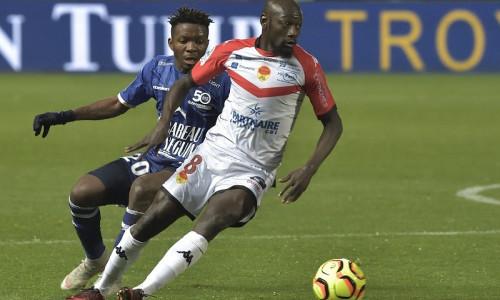 Soi kèo Troyes vs Auxerre 02h45 ngày 25/2 – Kèo nhà cái bóng đá