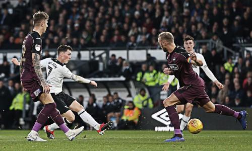 Kèo nhà cái Swansea vs Derby County – Soi kèo bóng đá 01h45 ngày 2/5/2019
