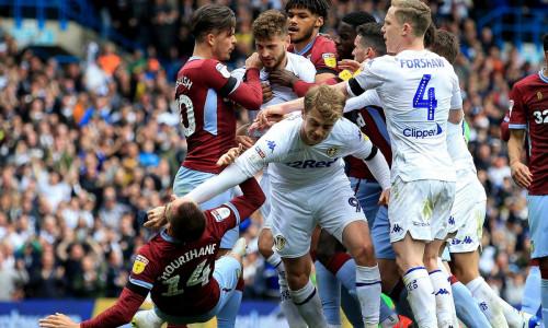 Kèo nhà cái, soi kèo Leeds vs Aston Villa 00h30 ngày 28/2, Giải Ngoại hạng Anh